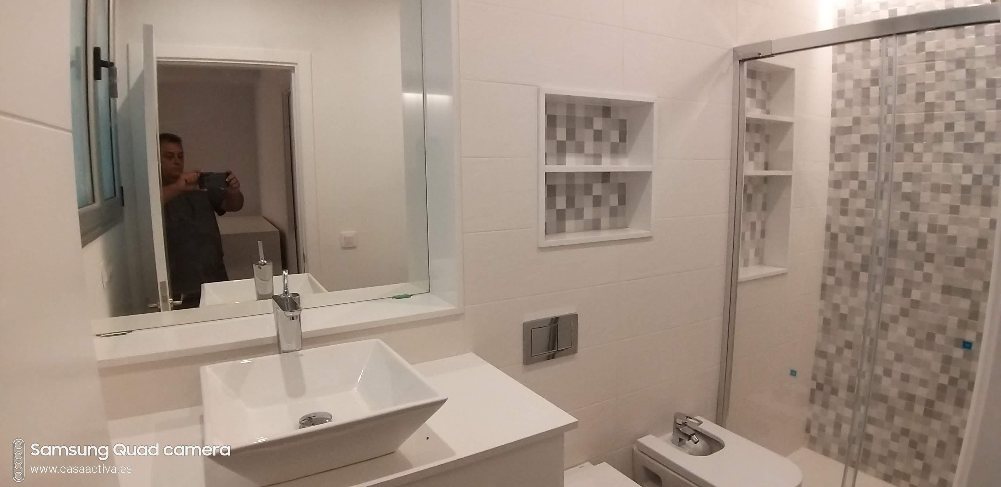 baño hornacinas